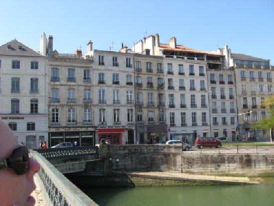 Bayona, Francia: Waterfront in Bayonne