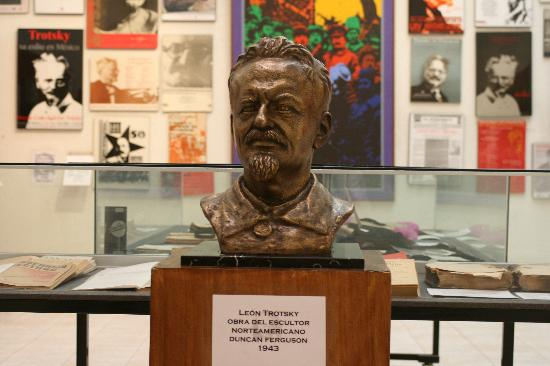 essay on leon trotsky Essay - power struggle between stalin and trotsky in 1921, lenin's health was delicate and fragile he startedsuffering a series of strokes that.
