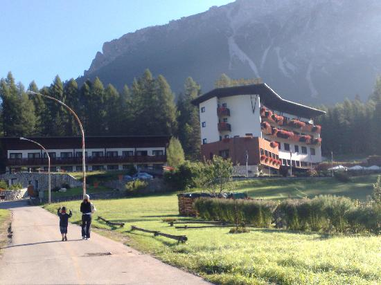 Hotel Mirage Cortina : panoramica hotel