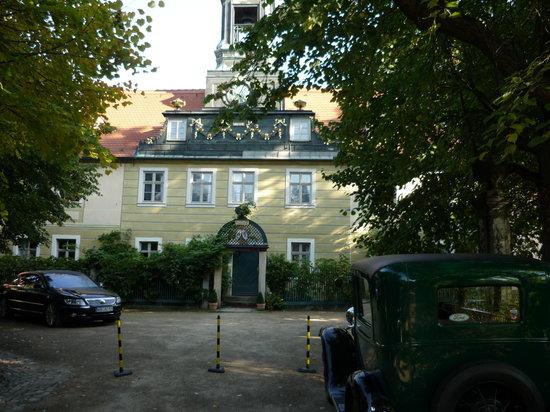 Hotel Villa Sorgenfrei: Front of the hotel