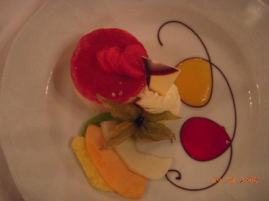 Hotel Imperial Vienna: dessert at farewell dinner