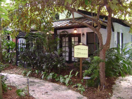 Sundy House Honeymoon Cottage