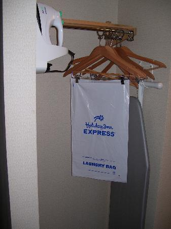 Holiday Inn Express Hotel & Suites London: Iron and ironing board, along with complementary laundry bag