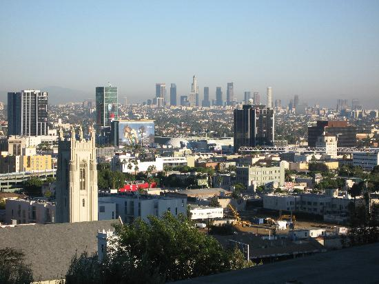 Hollywood Hills Hotel: View from room balcony