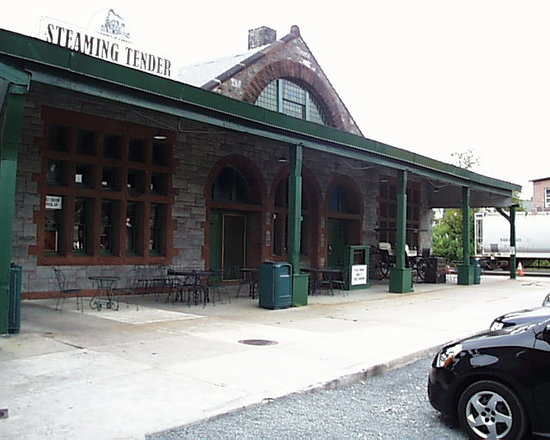 The Steaming Tender occupies a historic Richardson Romanesque railroad station.