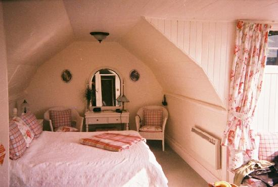 Dungallan Country House: Our room