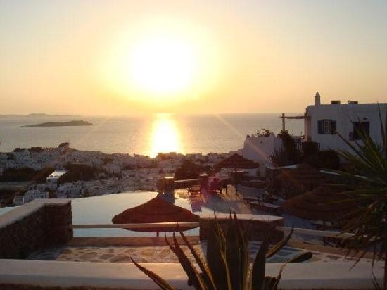 Vencia Hotel : Sunset 1
