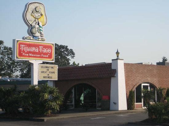 Tijuana Taco Restaurant: Front