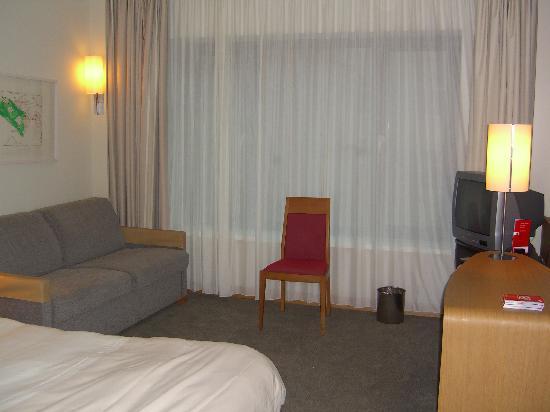 Novotel Berlin Am Tiergarten: Our room