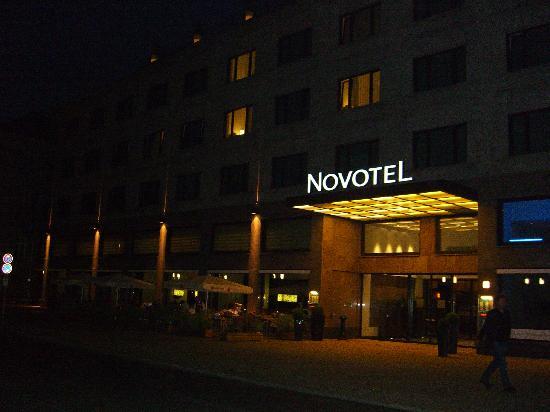 Novotel Berlin Am Tiergarten: The entrance