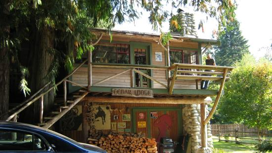 Country Cottage Bed & Breakfast: cedar cabin
