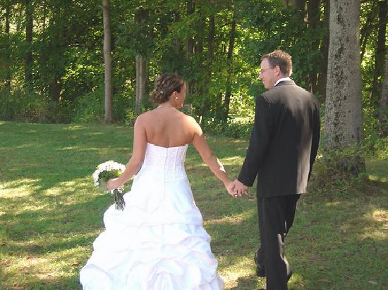 The Raritan Inn at Middle Valley : Beautiful Grounds for a wedding