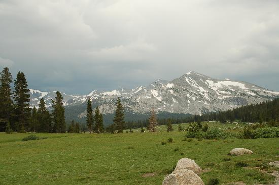 Tuolumne Meadows Lodge: storm coming for the meadows