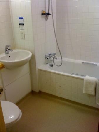 The World's End: Bathroom