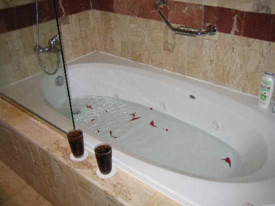 Grand Bahia Principe Turquesa: bañera hidromasaje