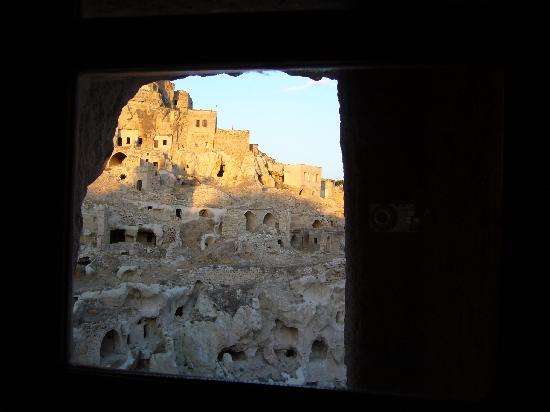 AlKaBriS : Ortahisar from cave room