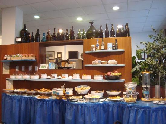 Hotel Villa Argentina: Breakfast buffet