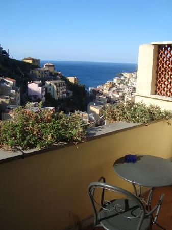 Hotel Villa Argentina: Room balcony view over Riomaggiore