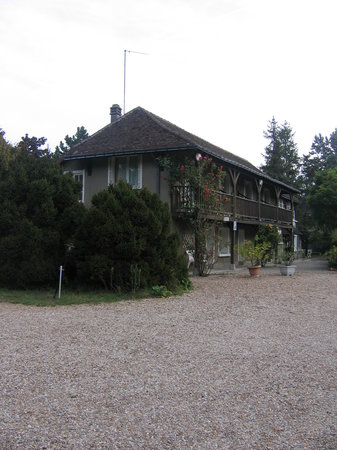 Photo of Hotel du Petit Lussault Nazelles Negron