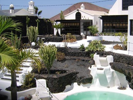 Tahiche, Spanien: Casa Teiga garden / pool