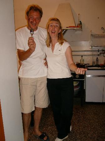 Loborika, Croatia: Stelio und Mirta in der Küche