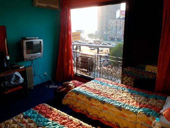 Invitation Hotel: Our twin room (403)