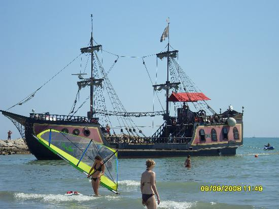 Camping Ca' Savio: The pirate ship (a two hour voyage)
