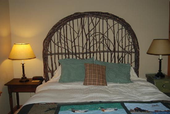 Bed at Weasku Inn 9-08