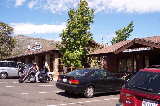 Julian, CA: Tackle store and restaurant