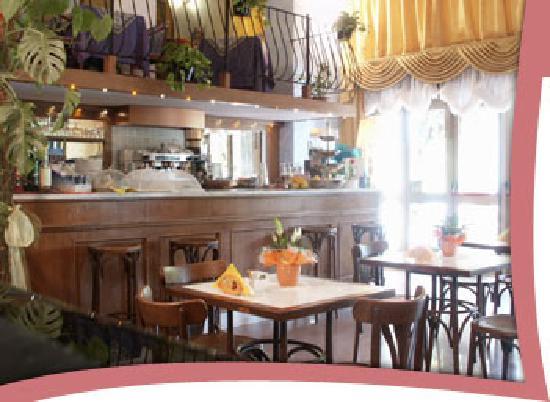 Tabiano, Italia: il bar dell'hotel royal