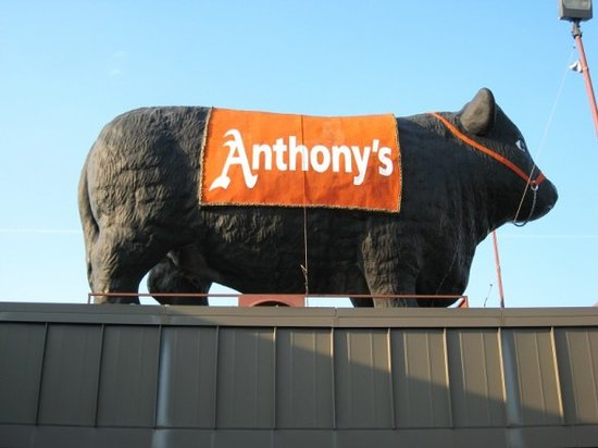 Anthony's Restaurant & Lounge: Here is Anthony's Sign from Outside.