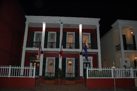 front of hotel at night picture of le richelieu in the french rh tripadvisor com