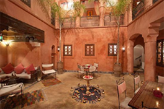 patio nuit riad alisma photo de riad alisma marrakech tripadvisor. Black Bedroom Furniture Sets. Home Design Ideas