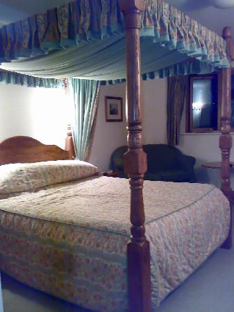 Best Western Garstang Country Hotel And Golf Centre: Four Poster - Room 9