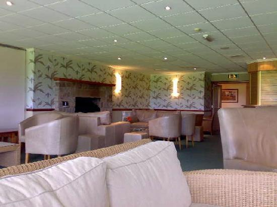 BEST WESTERN Garstang Country Hotel and Golf Centre: Lounge Bar