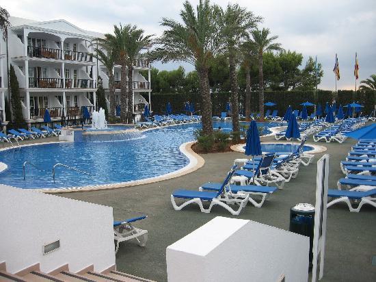 Inturotel Sa Marina: The hotel pool