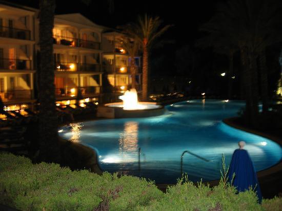 Inturotel Sa Marina: The pool at night