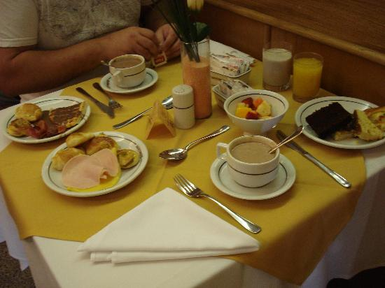 Windsor Martinique Hotel: Desayuno con todos los detalles