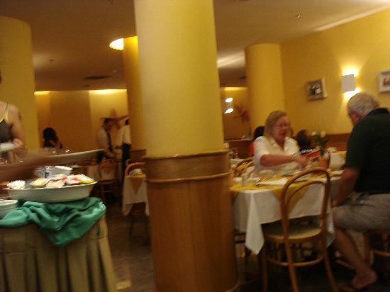 Windsor Martinique Hotel: Pequeño pero practico desayunador