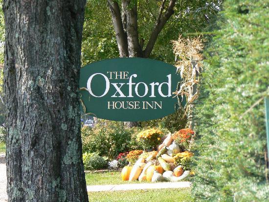 Oxford House Inn: entrance to the inn