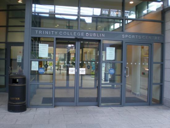 Trinity College Campus: Debajo estaba el gimnasio