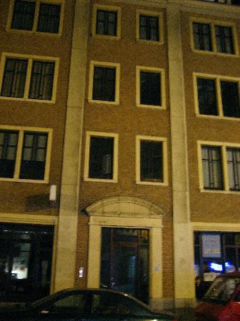 Chez Dominique: Exterior