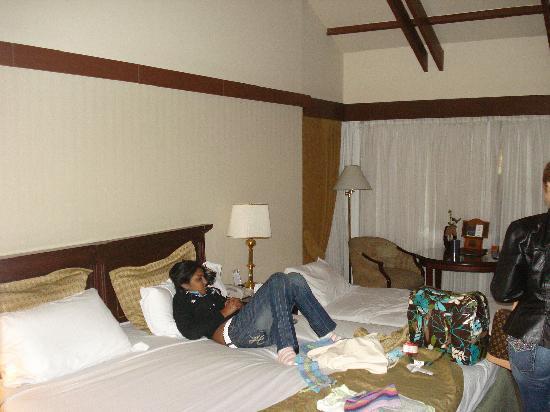 Hotel Estelar La Fontana: gaby en la habitacion