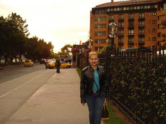Hotel Estelar La Fontana: asera exterior