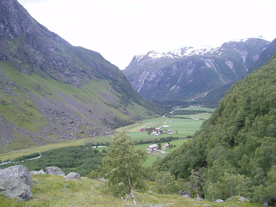 Fjords occidentaux, Norvège : from beautiful Stardalen near Skei in Jolster (E39)