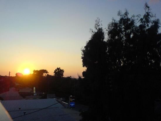 Sunny Days Hotel: sunset from our balcony