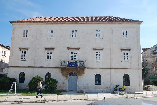 Villa Moretti, Trogir
