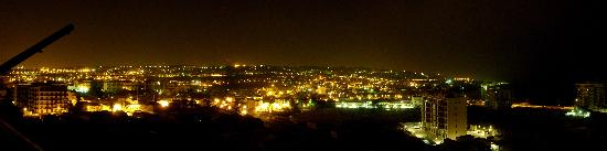 Lognina B&B: Catania Notturna (vista panoramica dal B&B)