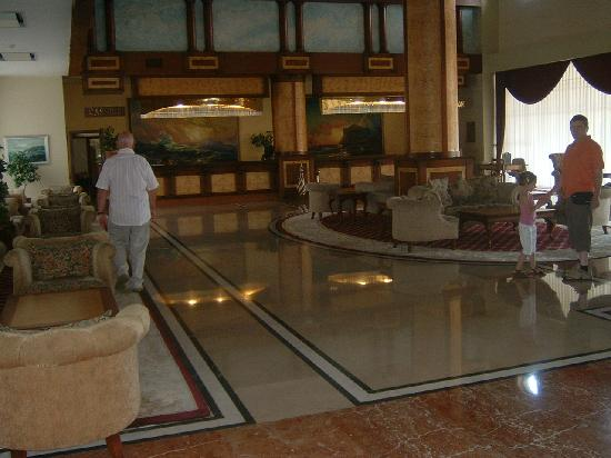 Melas Resort Hotel: Réception de l'hôtel