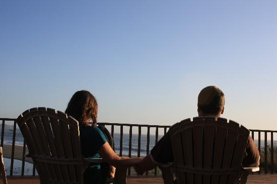 Lowden's Beachfront Bed & Breakfast: Watching the sunset from the deck